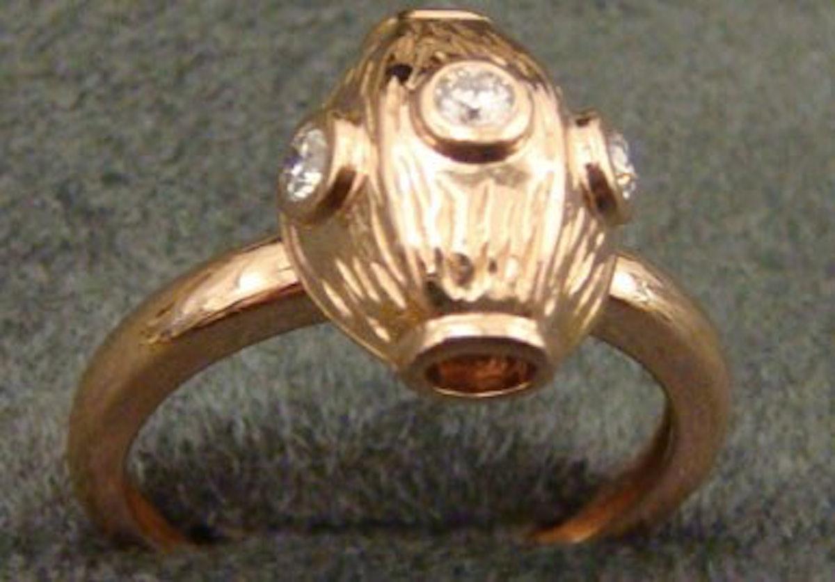 blog-Submarine-ring-diamonds-%26-rose-gold.jpg