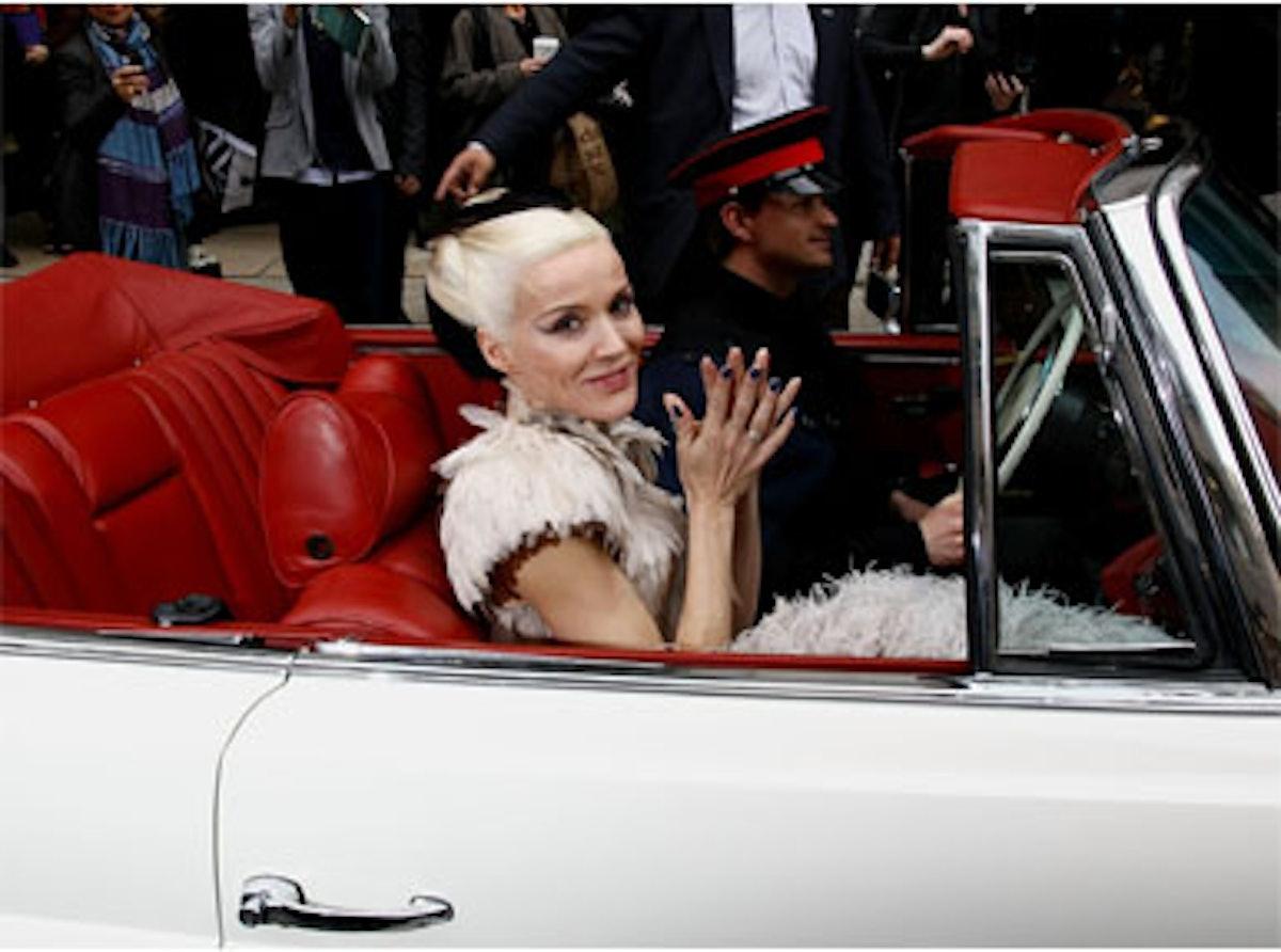 blog-daphne-guinness-met-gala-Car.jpg