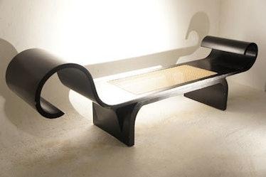 blog-A-chaise-by-Oscar-Niemeyer%2C-at-Artemobilia-gallery.jpg