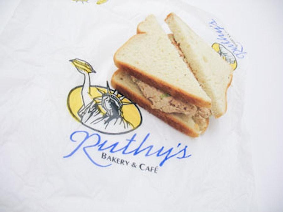 blog-tuna-sandwich-h.jpg