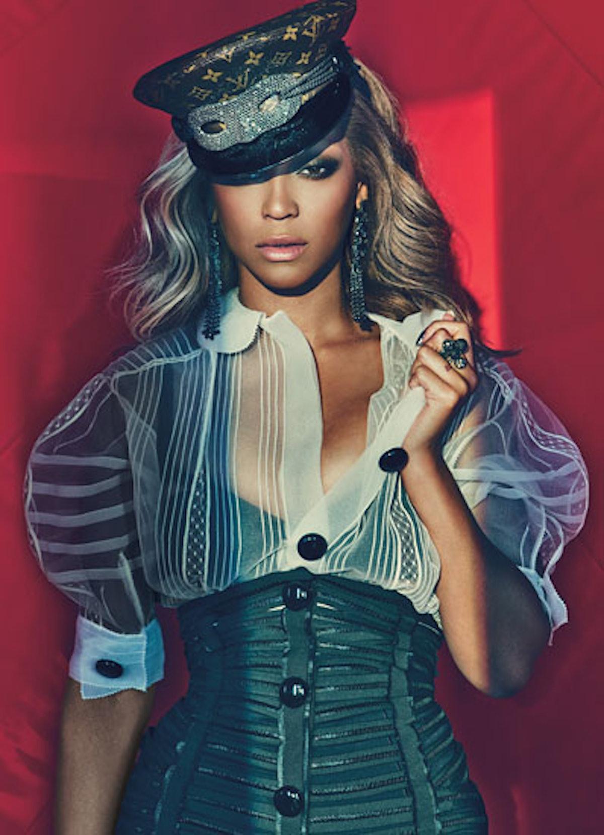 cear-beyonce-fashion-cover-v.jpg