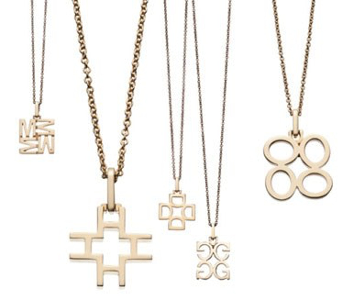 blog-India-Hicks-18-carat-12mm-Initial-Pendants-w_cable-chain%2C-%24595.jpg