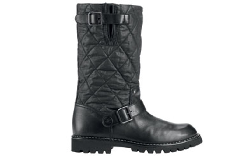 blog-chanel-Black-leather-boot_Botte-noire-en-cuir.jpg