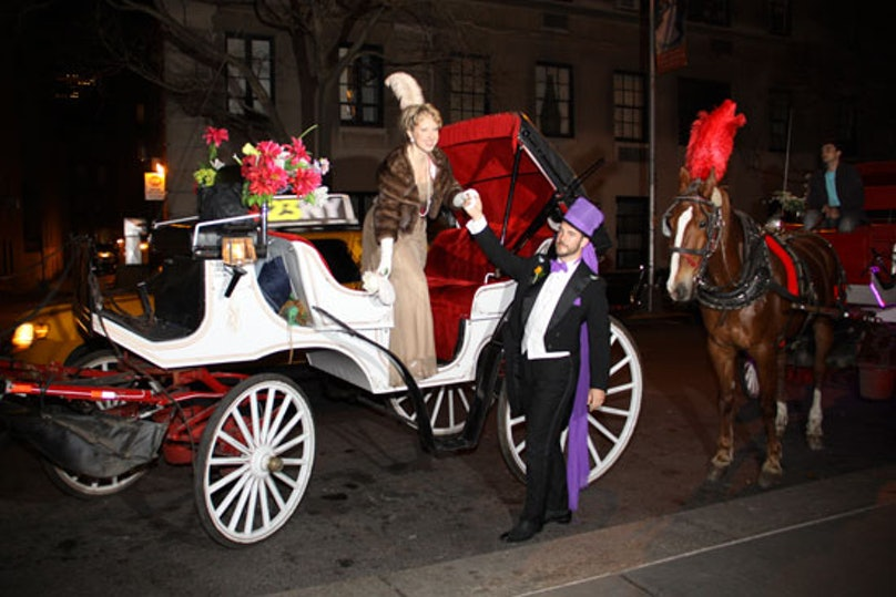 blog-frick-Steering-Committee-Member-Lucy-Jane-Lang-arrives-with-Cator-Sparks-by-horse-drawn-carriage.jpg