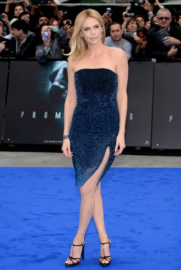 blog-look-of-the-day-charlize-theron-01.jpg