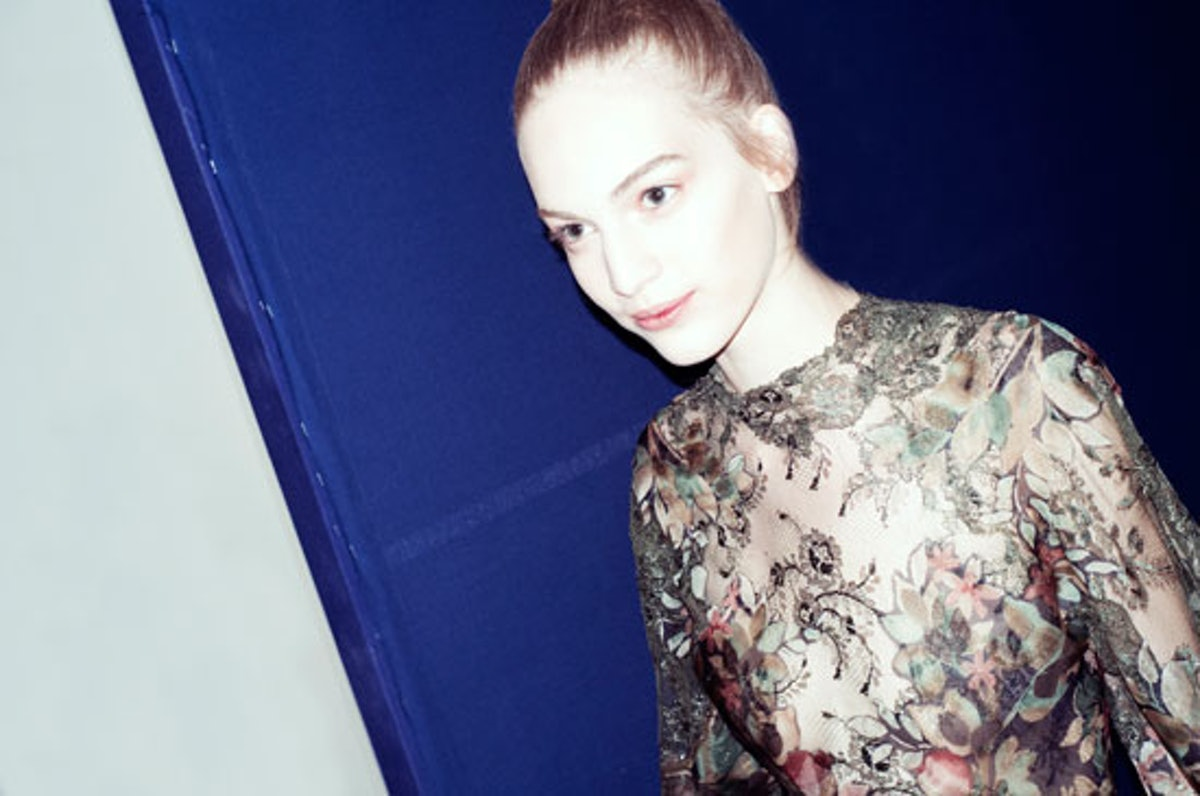 blog-valentino-couture-fall-2012-backstage-runway-12-h.jpg