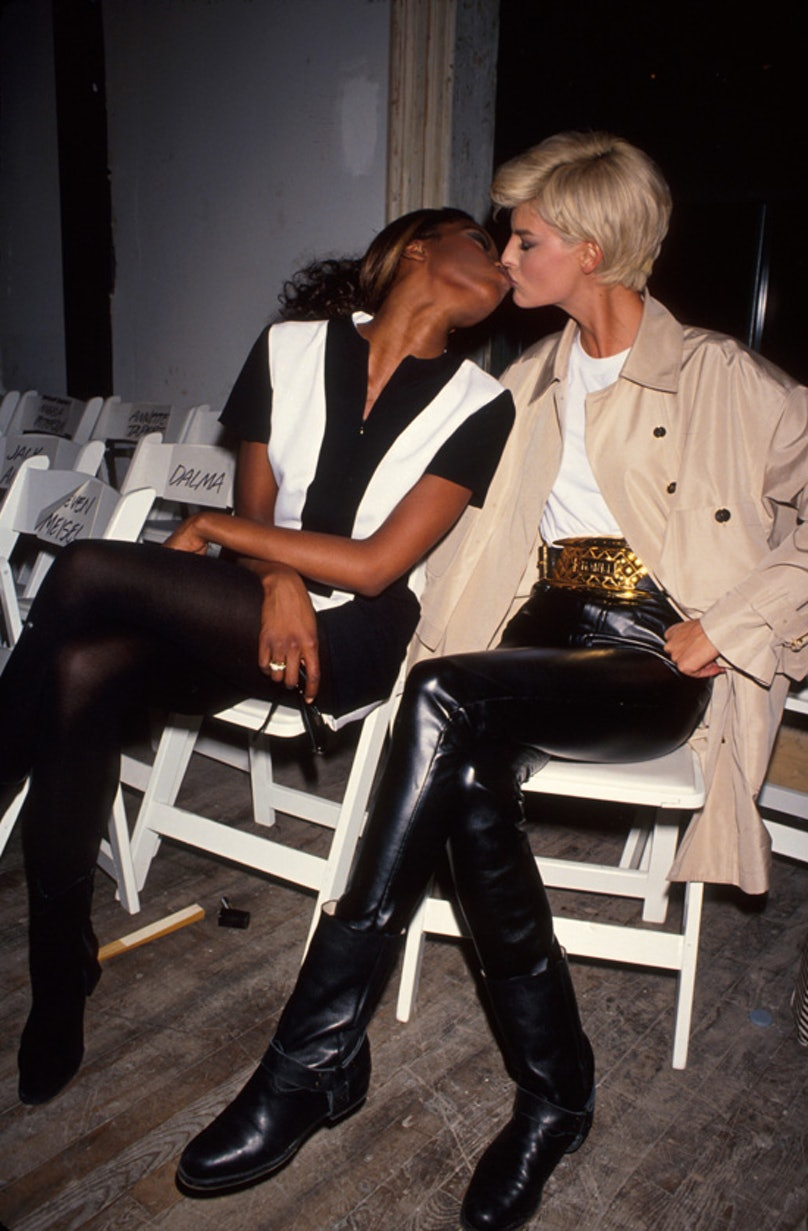 models kissing