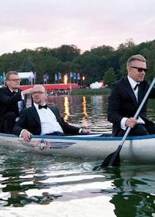 blog-Klown-Rowing-to-Brothel-02.jpg