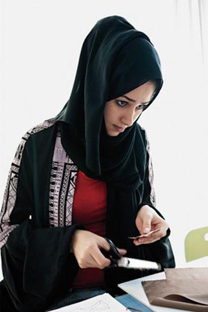 faar-saudi-arabian-fashion-school-01-v.jpg