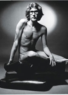 faar-fashion-scandals-40-years-01-v.jpg