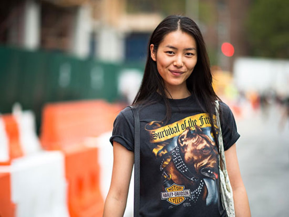 trend-street-style-the-graphic-tee.jpg
