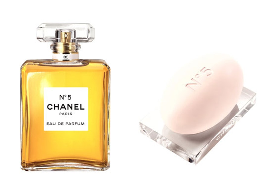 blog-chanel-no-5-parfume-and-soap.jpg