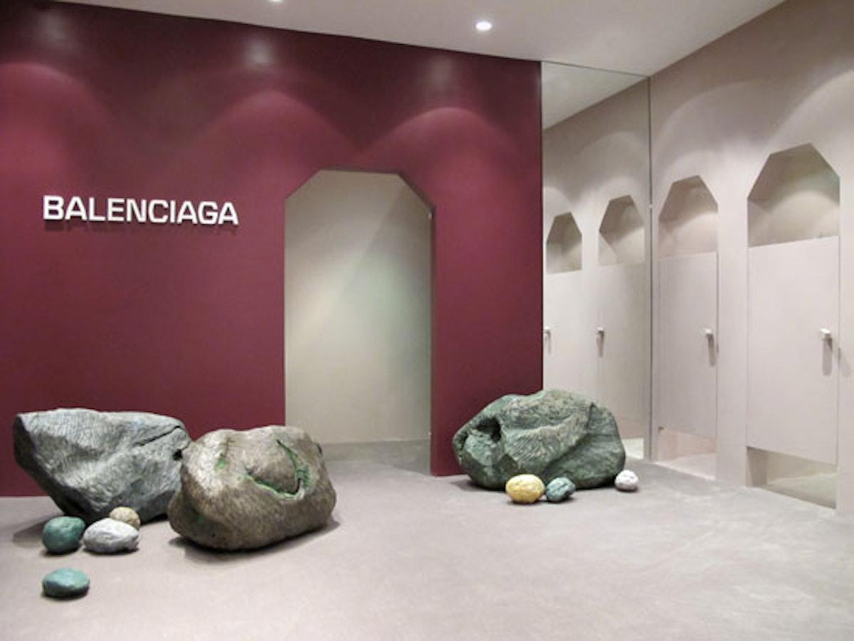 blog-BALenciaga-Seasonal-Store-SoHo-Interior-180-dpi.jpg
