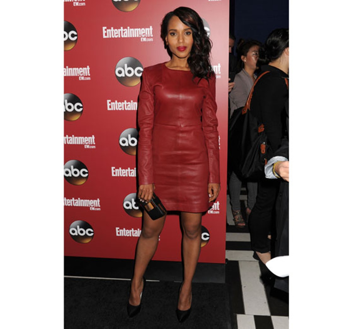 blog-kerry-washington-red-marc-by-marc-jacobs-dress.jpg