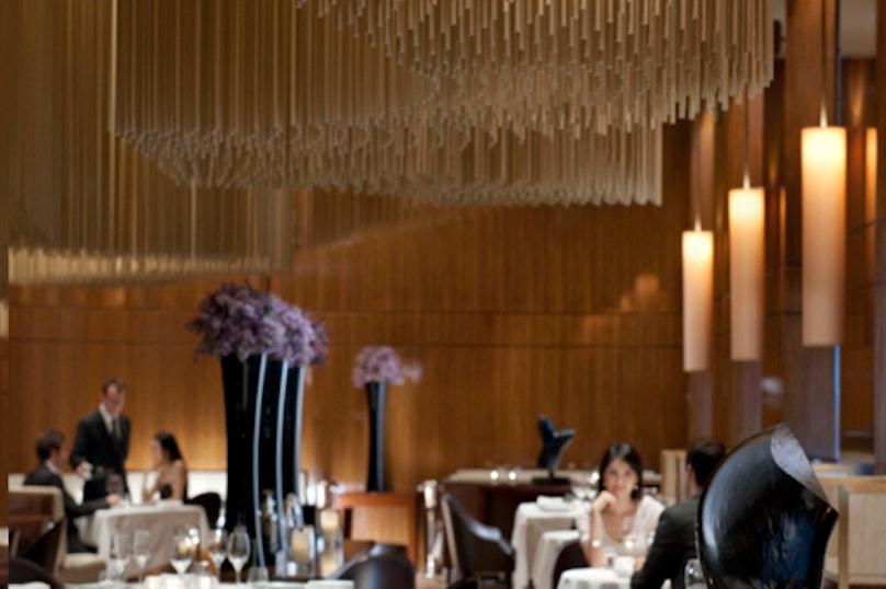 SIZEDlandmark-restaurant-amber-01%20copy.png