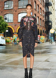 Givenchy_011_1366-1.450x675