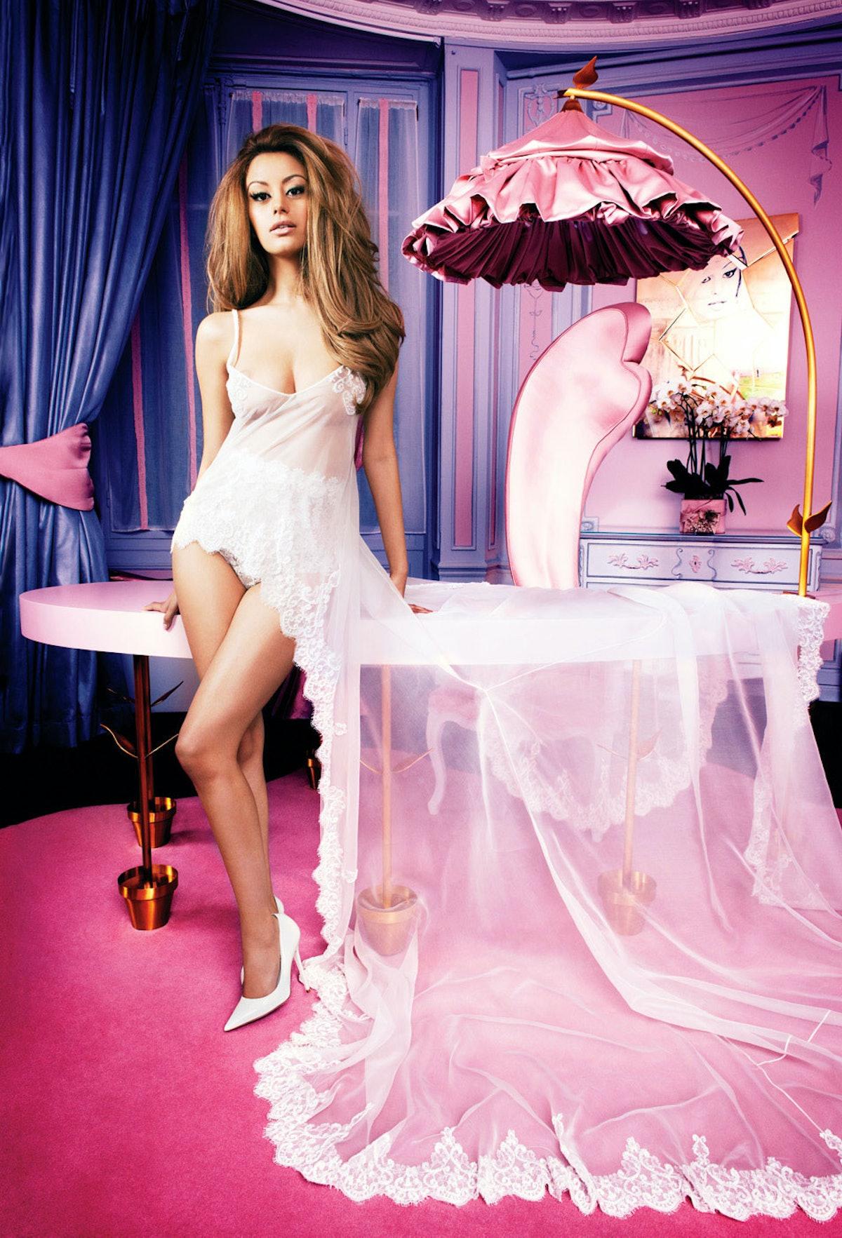 faar-zahia-dehar-lingerie-designer-01