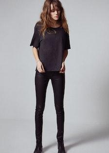 faar-Freja-Beha-mother-jeans