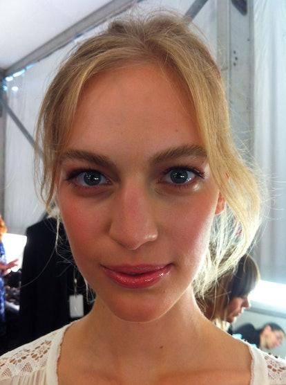 diane-von-furstenberg-backstage-beauty-spring-2014