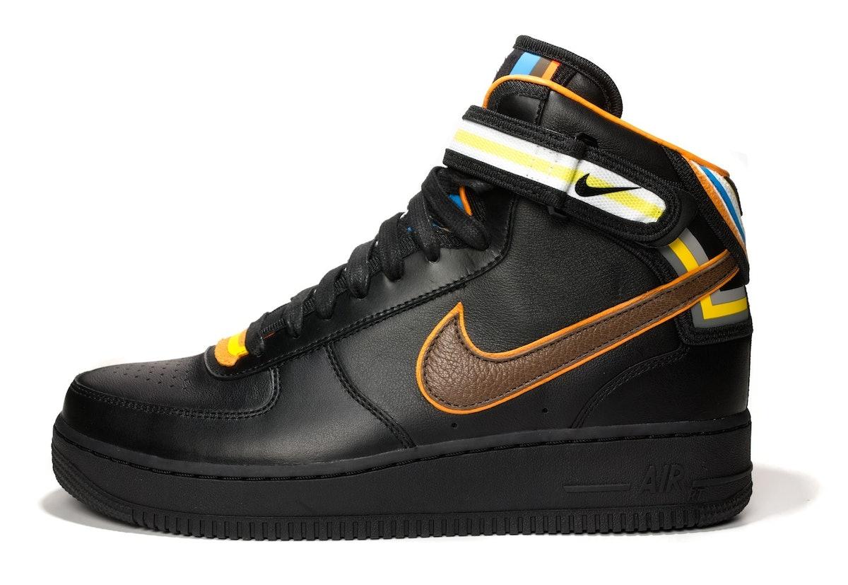 0414-W-TH-NikeBlack_01