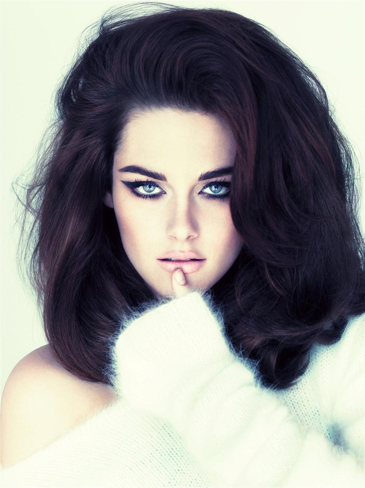 Kristen-Stewart-W-Magazine-Photoshoot-2011.jpg