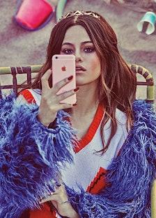 Selena-nails.jpg