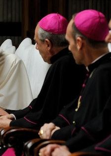 young pope episode 3 gianni fioriti.jpg