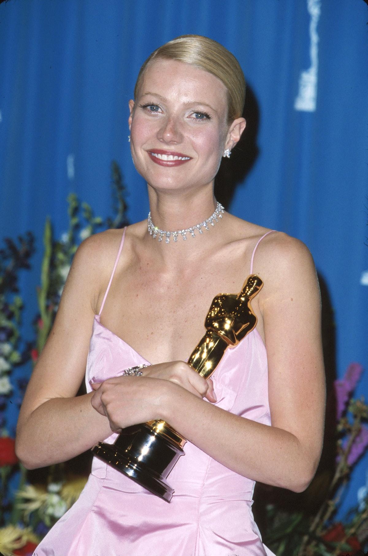 Gwyneth Paltrow accepting her Oscar