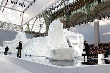 Chanel - PFW - Ready To Wear - Fall/Winter 2011 - Show
