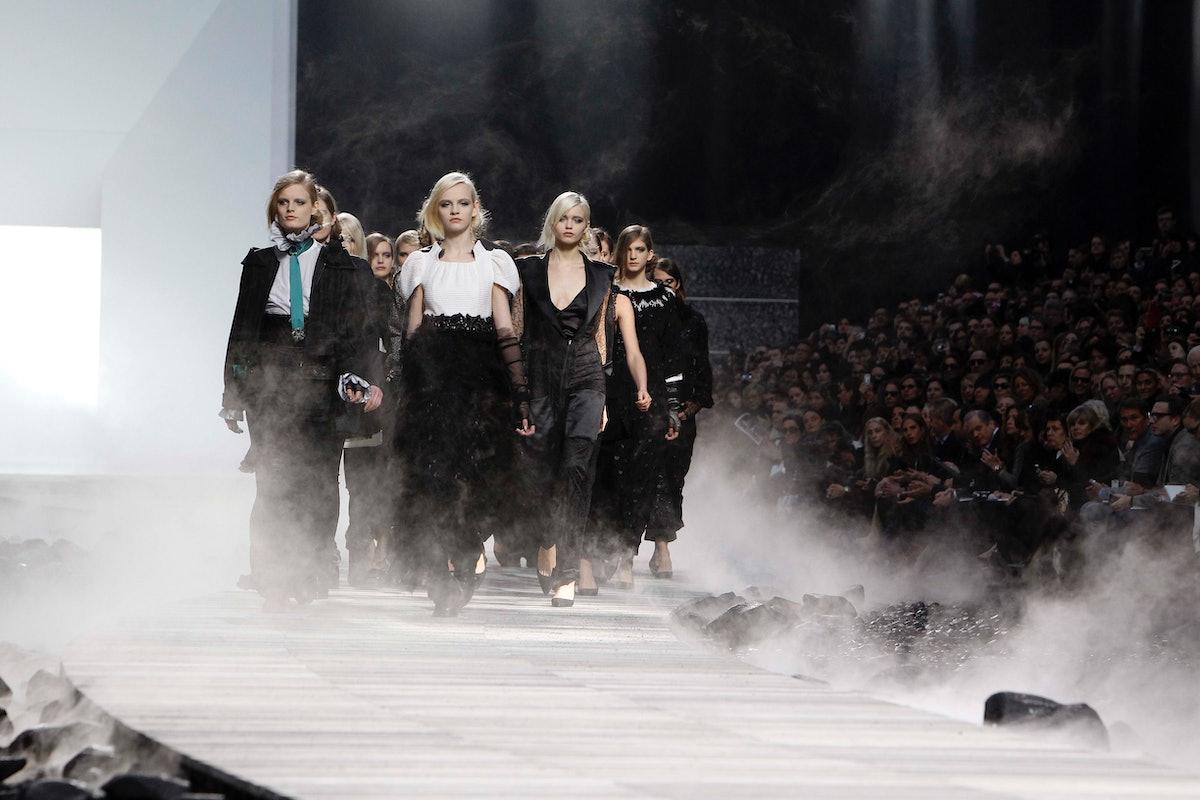 Chanel: Runway - Paris Fashion Week Fall/Winter 2012