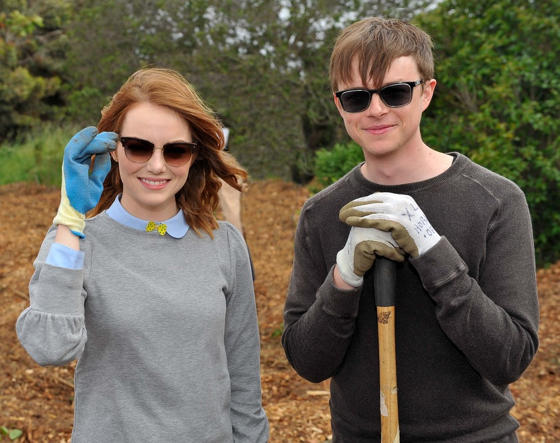 "Cast Of ""The Amazing Spider-Man 2"" Volunteer At Be Amazing Habitat Restoration Project At Shoreline Park"