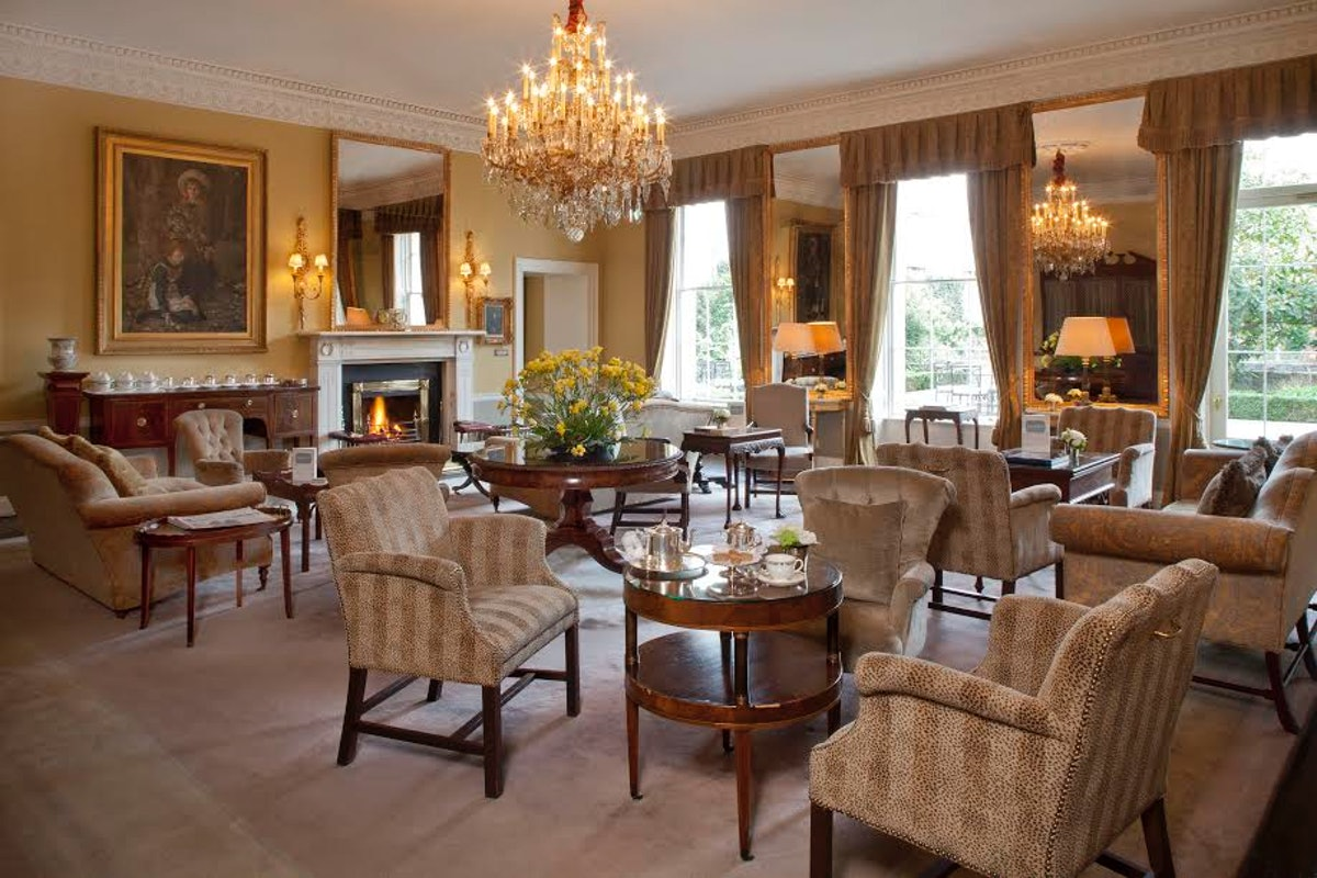 A parlor room at the Merrion Hotel. Photo courtesy of the Merrion Hotel