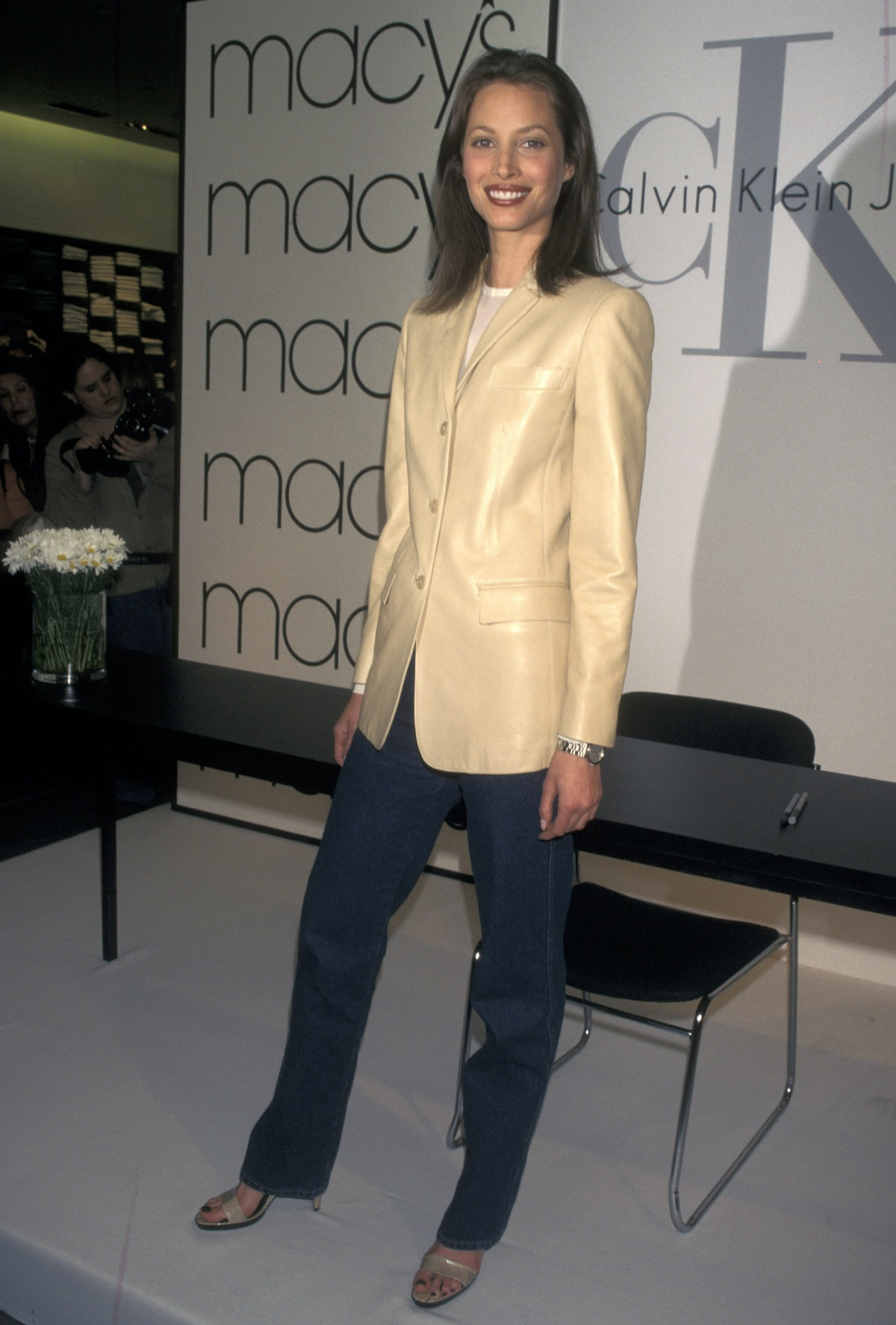 Christy Turlington In Store Appearance in New York City - March 26, 1998