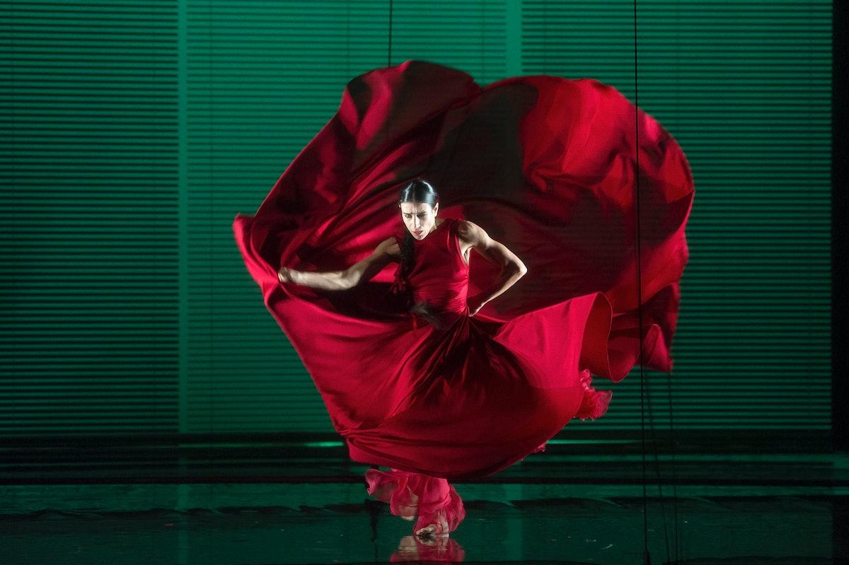 Blanca Li performing.jpg