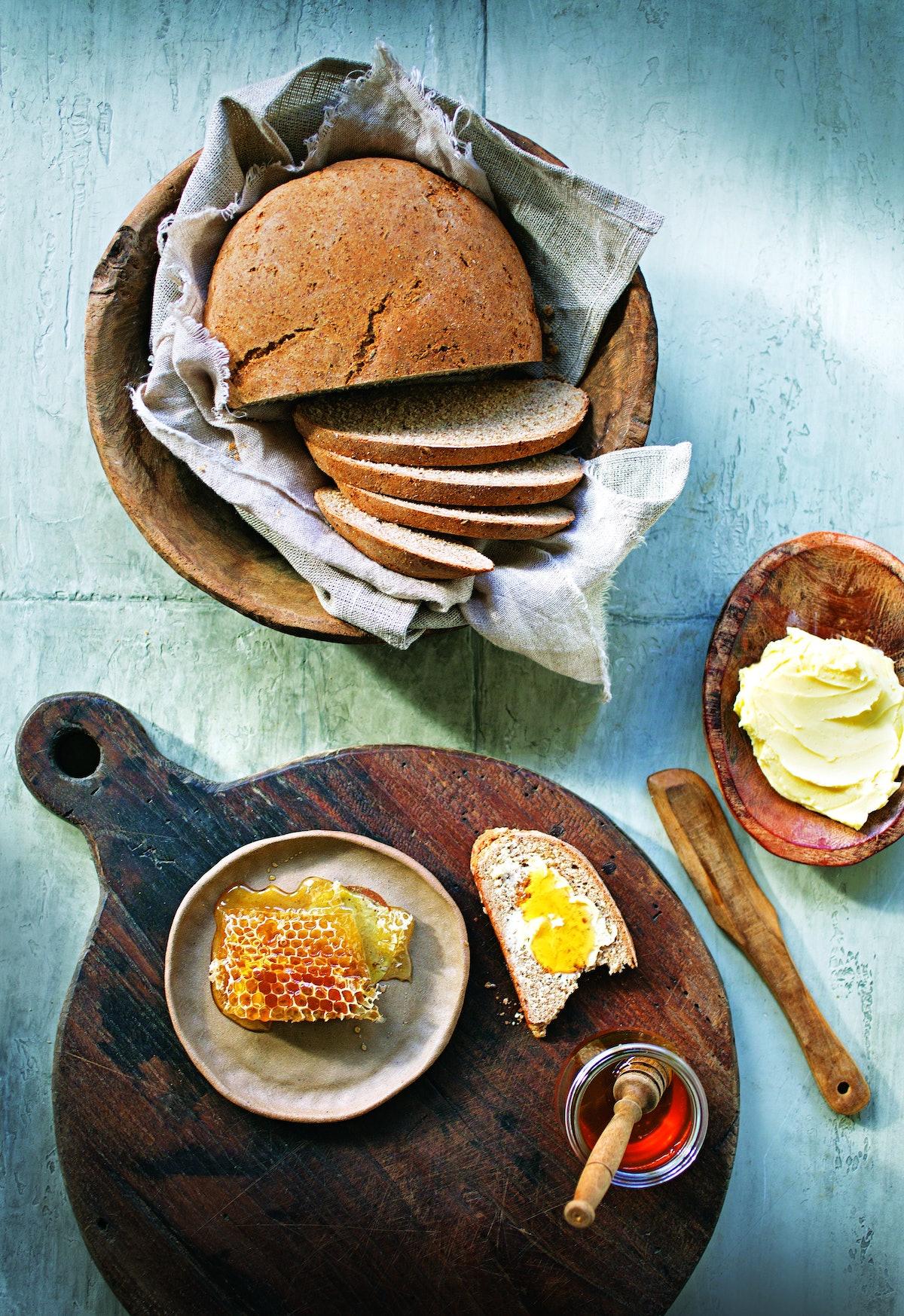 7 © Robyn Lea - Farmhouse Rye Bread - Props styling Bec Cole - Food styling Deb Kaloper.jpg