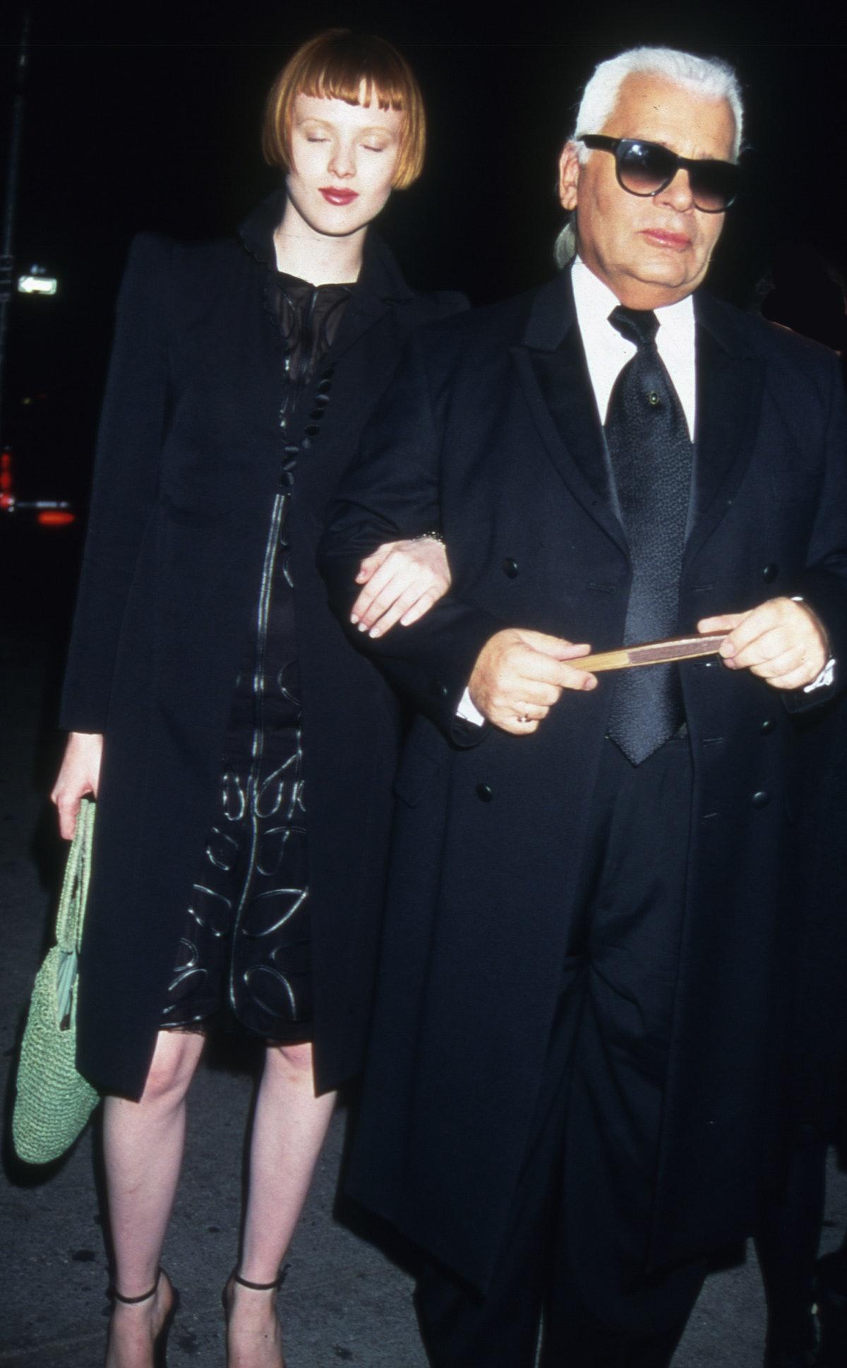 Karen Elson & Karl Lagerfeld on way to Pierre Hotel, gala,  New York - 1995