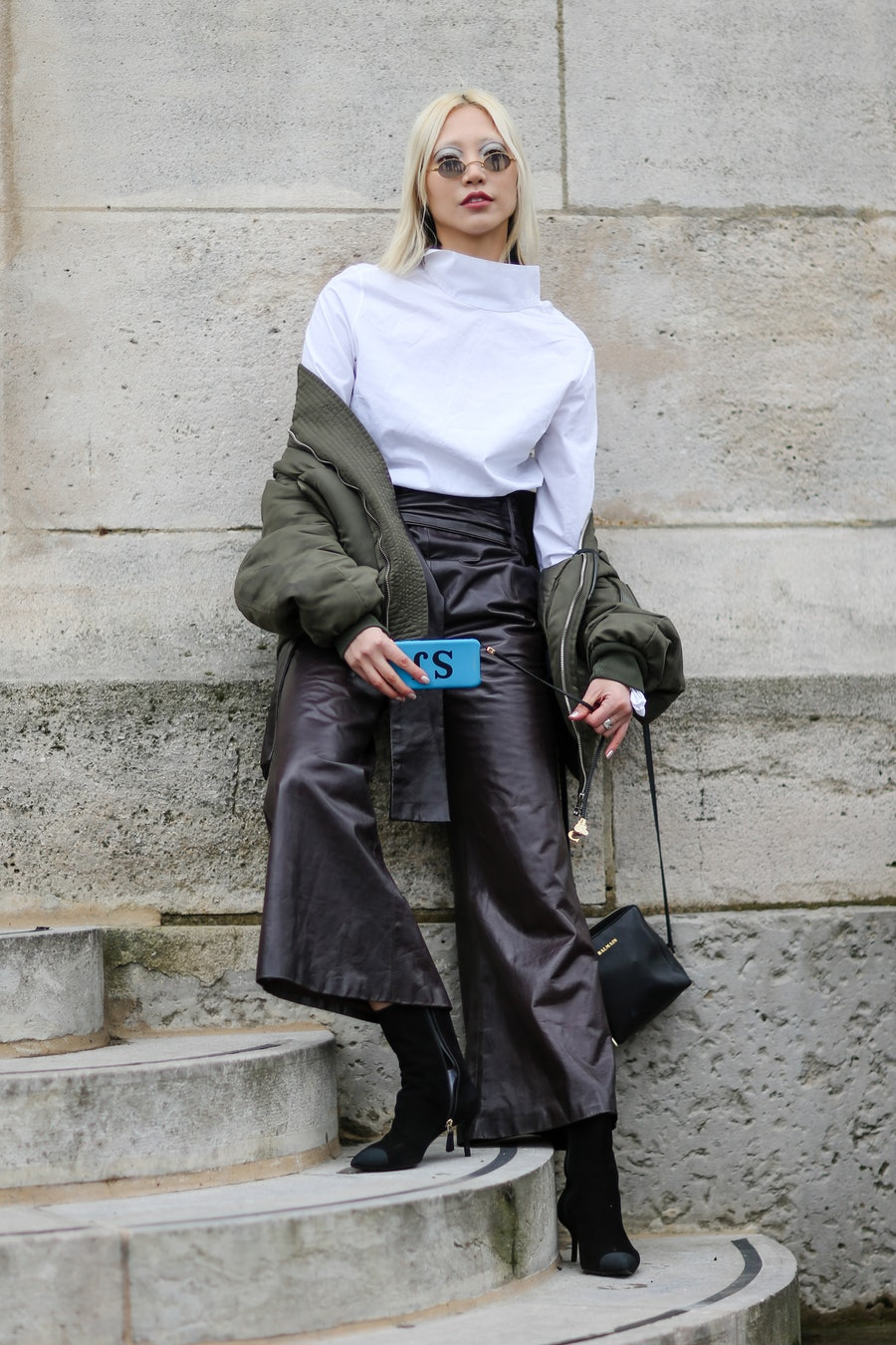 Street Style : Day Eight - Paris Fashion Week Womenswear Fall/Winter 2017/2018