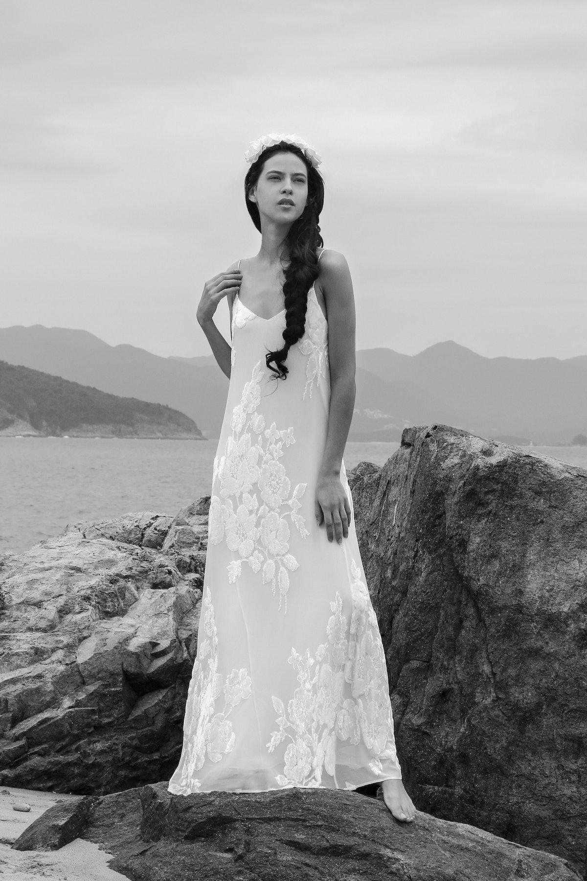 13. MARIE FRANCE VAN DAMME BRIDAL 2018 %22Courtesy of Marie France Van Damme%22.jpg