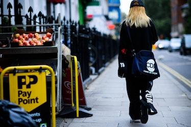 Le-21eme-Adam-Katz-Sinding-Tavistock-Place-Kenton-Street-London-Fashion-Week-Spring-Summer-2017_AKS3...