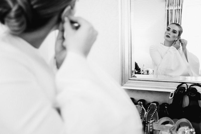 zoey mirror.jpg