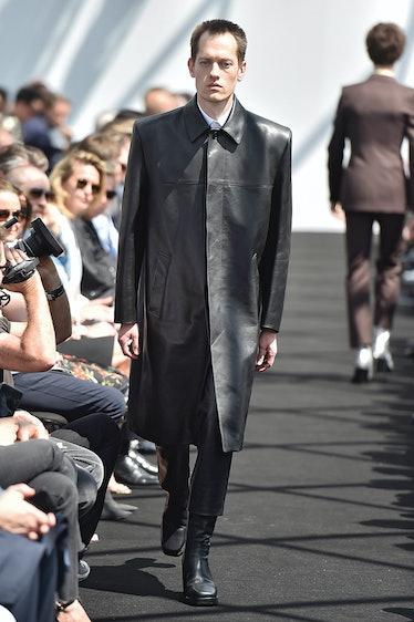 Balenciaga - Mens Spring 2017 Runway - Paris Menswear Fashion Week
