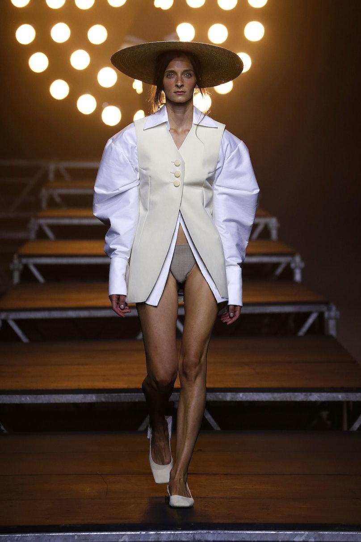Jacquemus : Runway - Paris Fashion Week Womenswear Spring/Summer 2017