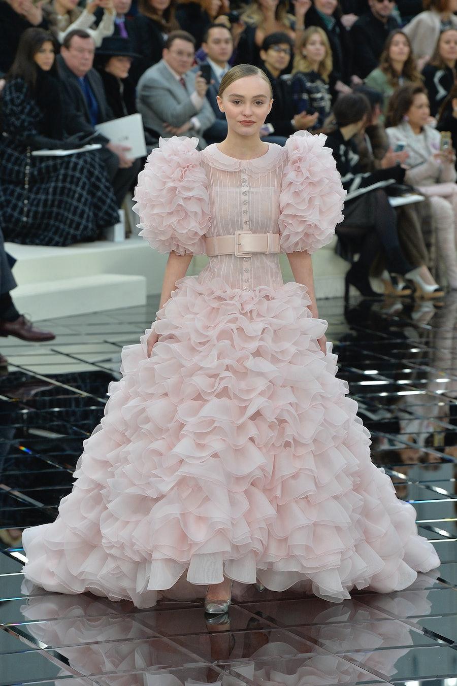 Chanel - Spring Summer 2017 Runway - Paris Haute Couture Fashion Week