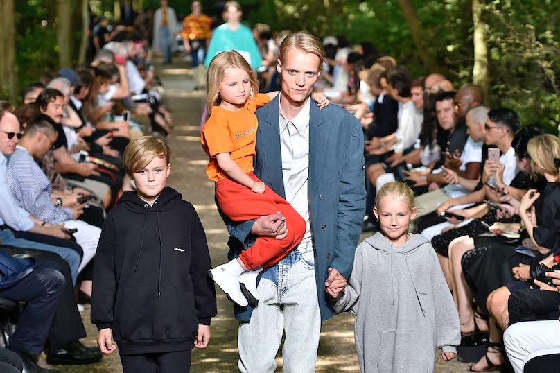 Balenciaga : Runway - Paris Fashion Week - Menswear Spring/Summer 2018