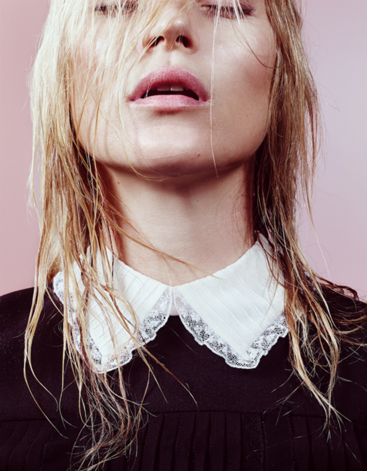 kate_moss_by_craid_mcdean__w_magazine_may_2015_720.png