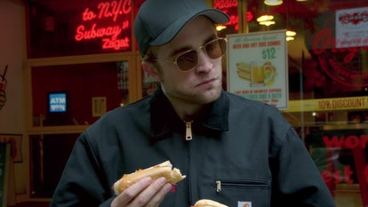robert pattinson hot dog.jpg