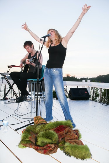 COURTNEY LOVE Surprise Performance at The Surflodge [EXCLUSIVE CONTENT]