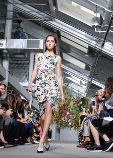 Jason Wu - Runway - September 2017 - New York Fashion Week