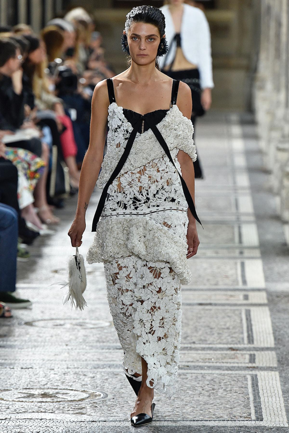 Proenza Schouler : Runway - Paris Fashion Week - Ready to Wear Spring/Summer 2018