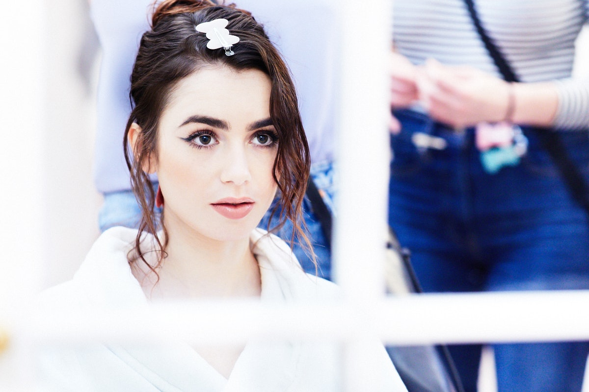 lily_collins_Wgetting_ready_SS18_2A2A1093.jpg